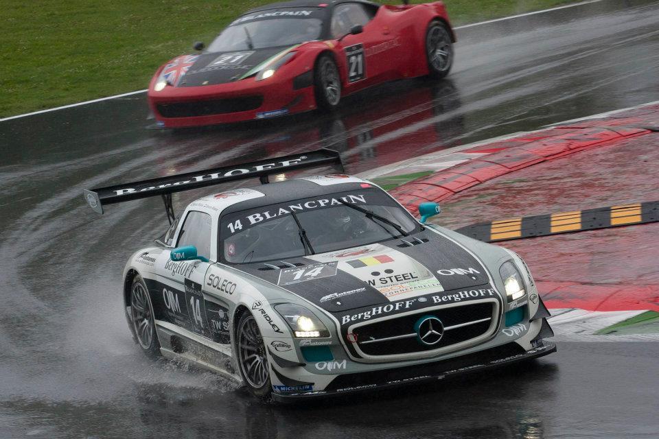 Dennis Retera maakt indruk met Mercedes SLS